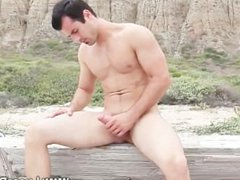 Gay pornstar gets to tube grips galore with his erection when outdoors