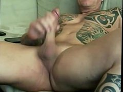 Tattooed Straight porn 40-Something Muscle Man Jerk hub off with Rare Cumshot