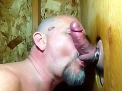 "Some sex guys need kissing"": xnxx Bear sucks cock and makes out in gloryhole"