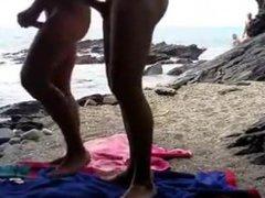 Amador - Sexo gay anal na fuck praia de nudismo (sexo em público)