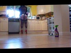 Maid to porn scrub the kitchen floor
