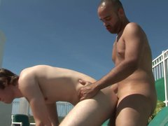 Manly hunk porn lets his gay boyfriend hub suck his cock in the sun