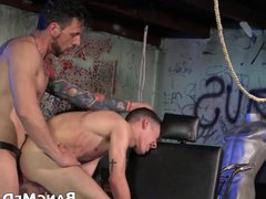 Twink gives porn a blowjob and receives hub barebacking from daddy